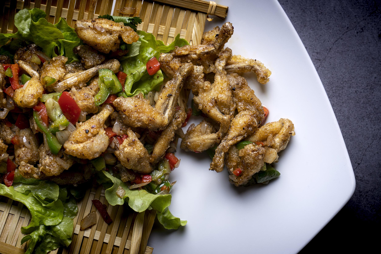 椒盐田鸡   Cuisses de grenouille sel & poivre